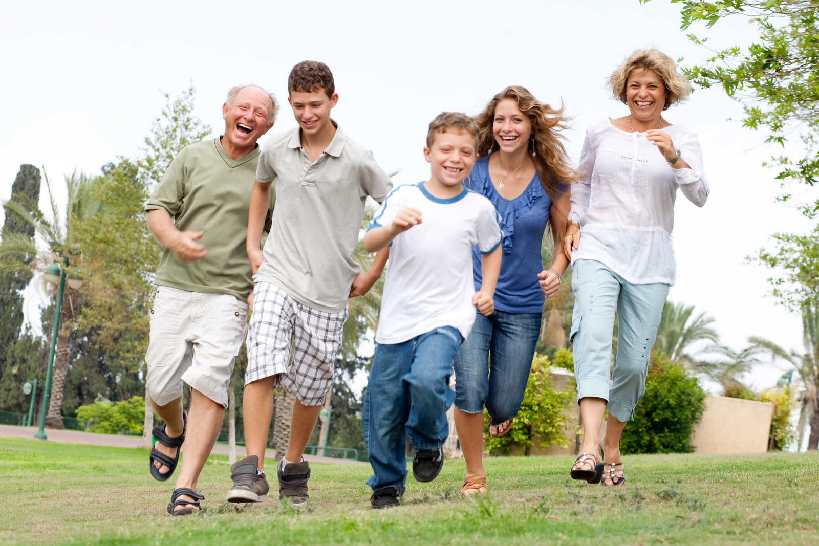 A Tulsa family jogs together