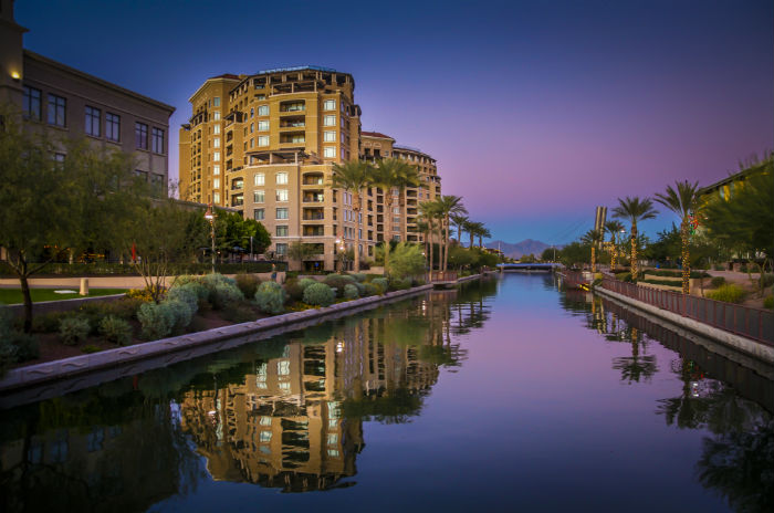 Sunset view of the Arizona Canal in Scottsdale