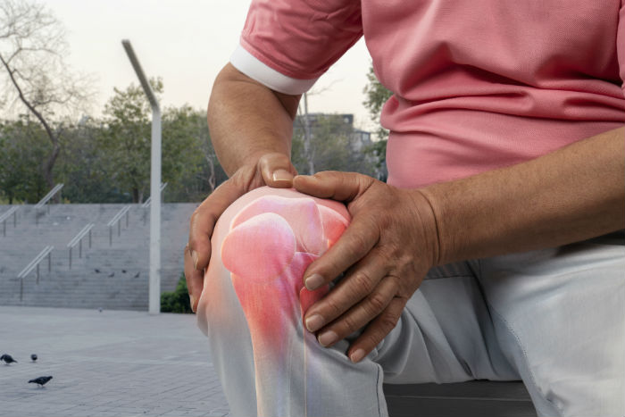 Man with knee pain showing osteoarthritis